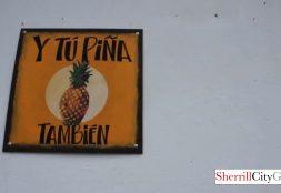 Cafe Y Tu Piña Tambien Antique, Guatemala