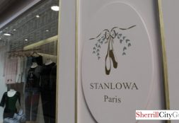Stanlowa 1 250 Rue du Faubourg Saint-Honoré, 75008 Paris, France