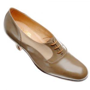 JOHN LOBB 3 Hole Tie Shoe