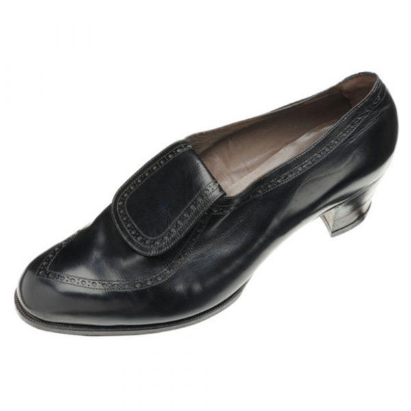 JOHN LOBB Traced Brogue Elastic on instep Shoe with Lap Tongue