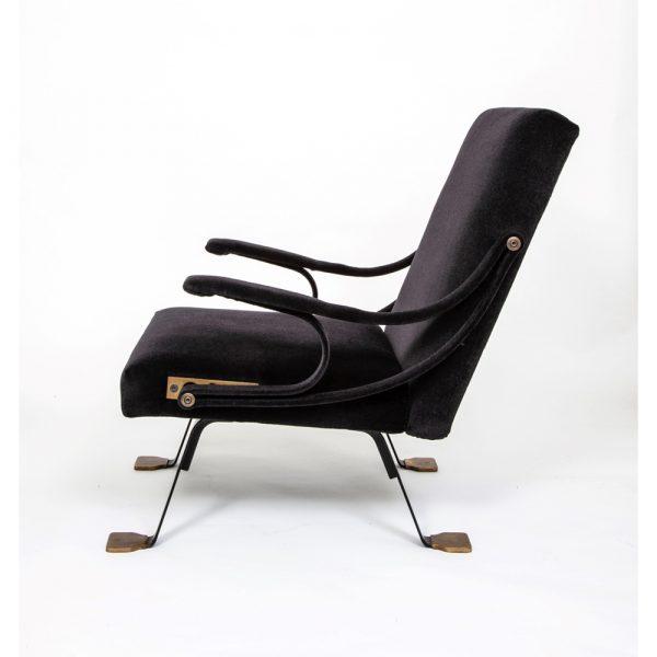 88 Gallery Ignazio Gardella (1905-1999) Rare pair of original 'Digamma' chairs