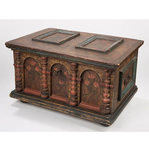 Stilbruch Rustic wooden baroque chest, probably Germany, around 1720