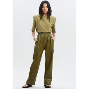 The Frankie Shop Faux Leather Casual Trousers In Bright Olive